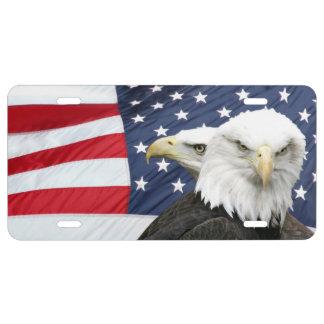Bandera americana y águilas calvas placa de matrícula