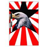 bandera americana y el águila calva tablero blanco