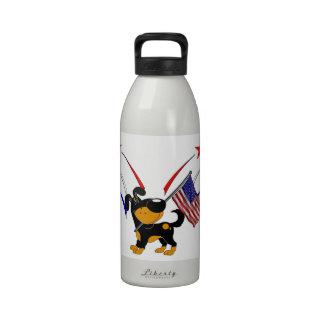 Bandera americana y fuegos artificiales botellas de agua reutilizables