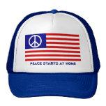 Bandera americana y signo de la paz gorros