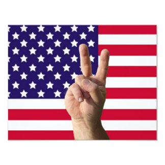 """Bandera americana y signo de la paz invitación 4.25"""" x 5.5"""""""