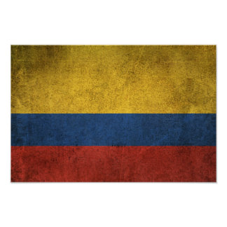 Bandera apenada vintage de Colombia Póster