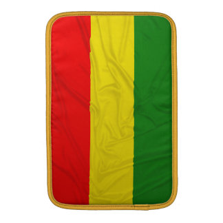 Bandera arrugada de Rastafarian Fundas MacBook