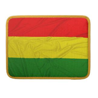 Bandera arrugada de Rastafarian Funda Para Macbook Pro