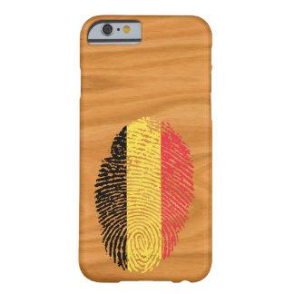 Bandera belga de la huella dactilar del tacto funda barely there iPhone 6