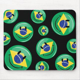 Bandera brasileña sonriente alfombrilla de ratón