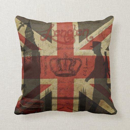Bandera británica, autobús rojo, Big Ben y autores Almohadas