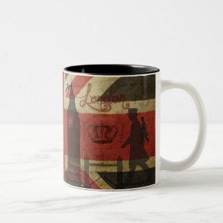 Bandera británica, autobús rojo, Big Ben y autores Taza