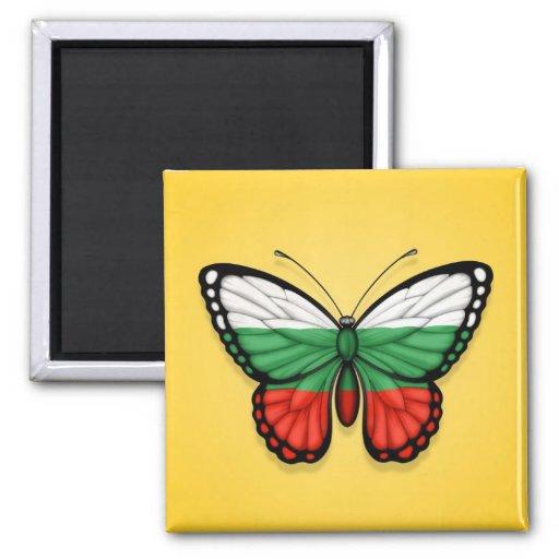 Bandera búlgara de la mariposa en amarillo imán cuadrado