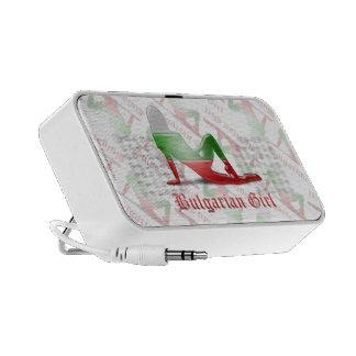 Bandera búlgara de la silueta del chica iPod altavoz