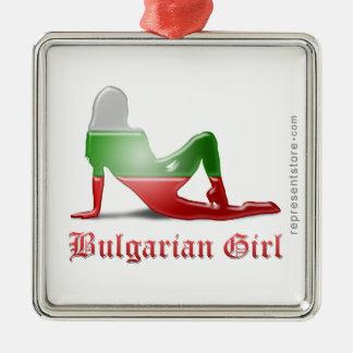 Bandera búlgara de la silueta del chica adorno cuadrado plateado