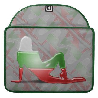 Bandera búlgara de la silueta del chica funda para macbooks