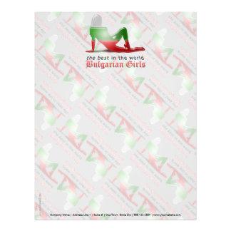 Bandera búlgara de la silueta del chica membrete