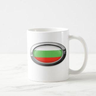 Bandera búlgara en el marco de acero taza de café