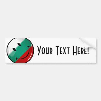 Bandera búlgara sonriente de la ronda brillante pegatina para auto