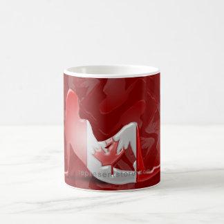 Bandera canadiense de la silueta del chica taza clásica