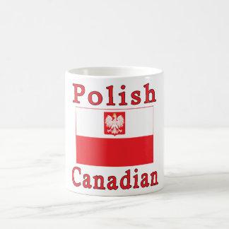 Bandera canadiense polaca del halcón taza clásica