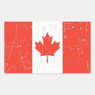 Bandera canadiense rascada y rasguñada pegatina rectangular