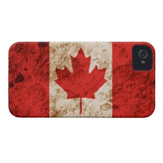 Bandera canadiense rugosa iPhone 4 Case-Mate cárcasa