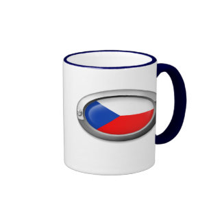Bandera checa en el marco de acero tazas de café