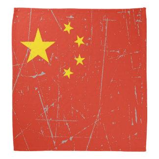 Bandera china rascada y rasguñada
