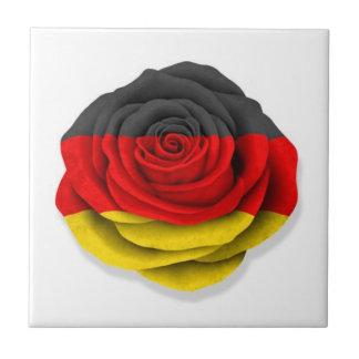 Bandera color de rosa alemana en blanco azulejo cuadrado pequeño