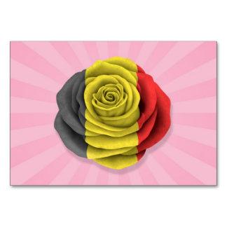 Bandera color de rosa belga en rosa