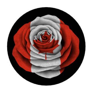 Bandera color de rosa canadiense en negro fichas de póquer