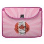 Bandera color de rosa canadiense en rosa funda para macbooks