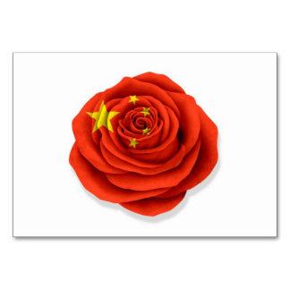 Bandera color de rosa china en blanco