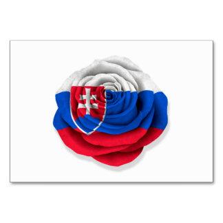 Bandera color de rosa eslovaca en blanco
