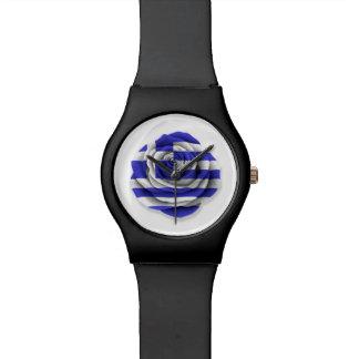 Bandera color de rosa griega en blanco reloj