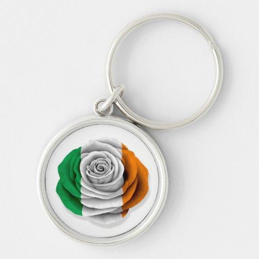 Bandera color de rosa irlandesa en blanco llavero personalizado
