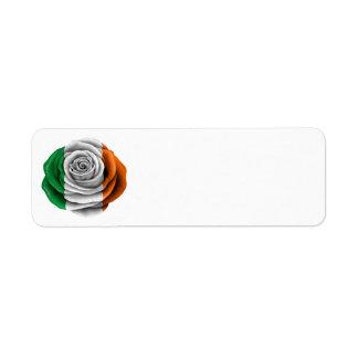 Bandera color de rosa irlandesa etiqueta de remitente