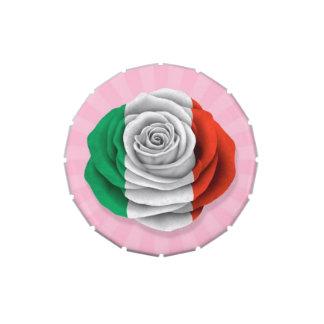 Bandera color de rosa italiana en rosa frascos de caramelos
