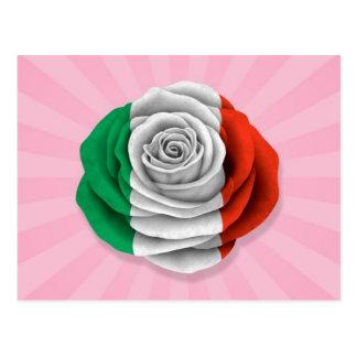 Bandera color de rosa italiana en rosa postal