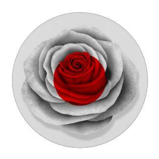 Bandera color de rosa japonesa en blanco fichas de póquer