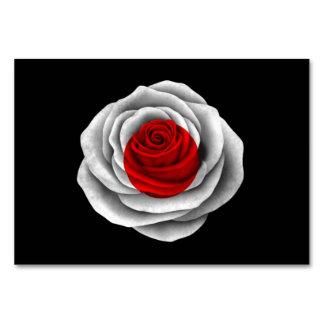 Bandera color de rosa japonesa en negro