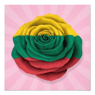 Bandera color de rosa lituana en rosa invitación 13,3 cm x 13,3cm