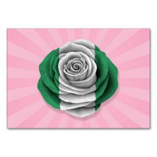 Bandera color de rosa nigeriana en rosa