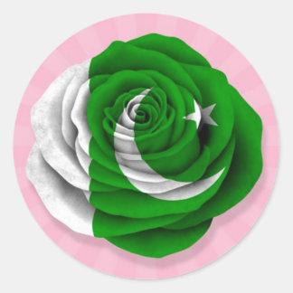 Bandera color de rosa paquistaní en rosa pegatina redonda