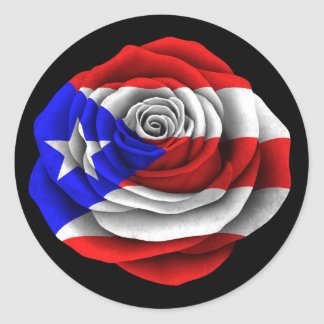 Bandera color de rosa puertorriqueña en negro pegatina redonda