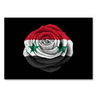 Bandera color de rosa siria en negro
