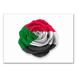 Bandera color de rosa sudanesa en blanco