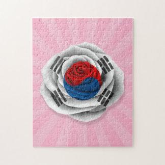 Bandera color de rosa surcoreana en rosa puzzle
