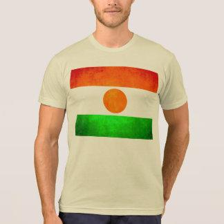 Bandera colorida de Nigerien del contraste Camisetas