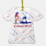 Bandera cubana de la silueta del chica ornamento para arbol de navidad