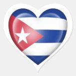 Bandera cubana del corazón en blanco etiquetas