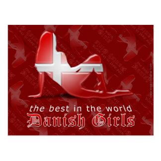 Bandera danesa de la silueta del chica postales
