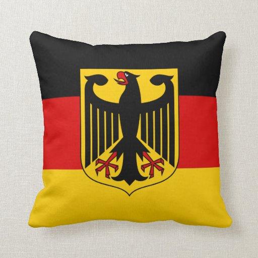 Bandera de Alemania con la almohada del escudo